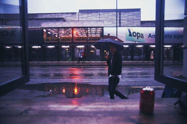 LONDON❤ London lifestyle EyeEm Selects Reflection City Illuminated Men Architecture Sky Rainy Season Wet Umbrella RainDrop Moving Rainfall