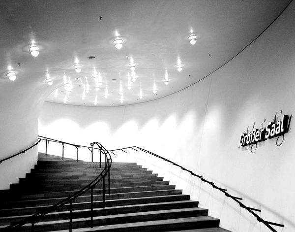 Großer_Saal. Hamburg_AN Elbphilharmonie Hamburg Hamburgmeineperle Steps And Staircases Steps No People Architecture Architecture_collection Architectural Detail Architectural Feature Black & White Black And White Black And White Photography Stairs Indoors  Hafencity Low Angle View Railing Fine Art Photography Lights Herzog & De Meuron Modern Architecture