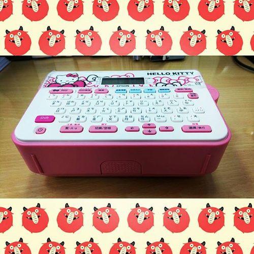 在下真的腦波極弱!可是印出來真的超可愛呀!!!! Kitty Hellokitty 標籤機 Labelmakingmachine labelmakingmachines 臺灣限定 臺灣限定款 臺灣限定版 台灣限定 台灣限定款 台灣限定版 LW200KT EPSON EPSONLW200KT SANRIO