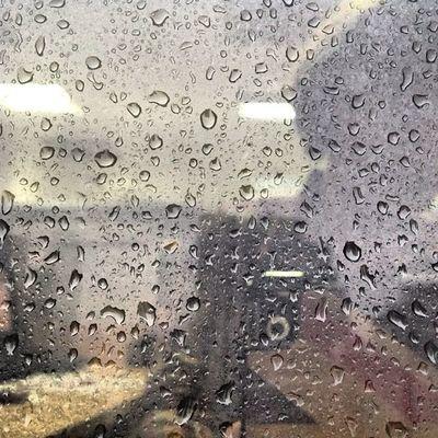 Just when we are about to go home.. Heste.. To JOG!! ???Jog GetFit Ayalatriangle Rain rainydays friday nomo pahirapanumuwi darkskies