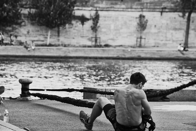 workout... Excercise Workout Outdoors Muscles Working Hard River Seine Paris Parisian Bnw_captures Bnw_collection Monochrome Bnwphotography Bnw Shadow And Light Rear View
