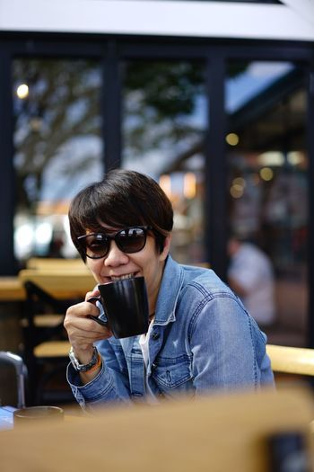 Coffee & Mee Tea Break Tea Time Tea Coffee Cup Coffee Sunglass  Alfresco One Person Glasses Sunglasses Fashion Lifestyles Leisure Activity This Is Natural Beauty Real People Casual Clothing Portrait Sitting Food And Drink Communication Outdoors