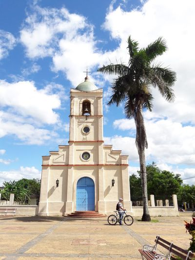 Cuba in my eyes. Cuban collections An Eye For Travel Eye For Travel Explore The City Explore The World Blue Sky Streetphotography Travel Good Day Viñales Valley Cuba Bike Cloud - Sky Place Of Worship Spirituality Tree Day Cross Tower Travel Destinations Summer Exploratorium