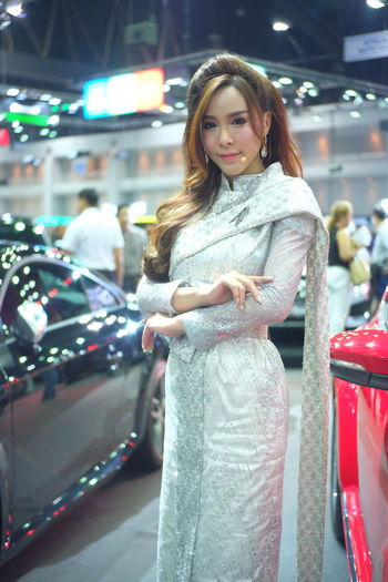 Young woman in shopping mall
