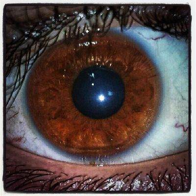 ¿Quién dijo que los ojos marrones de los hombres no son bonitos? Ojo Ojos Eyees Marron Brown Beautiful Sweet Men