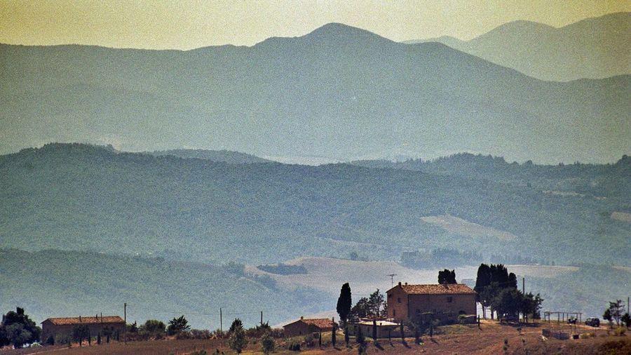 Analogue Photography Toscana Italia Italy❤️ Landscape_photography Enjoying Nature Mountain View Vanishing Point Simplicity Summer Views