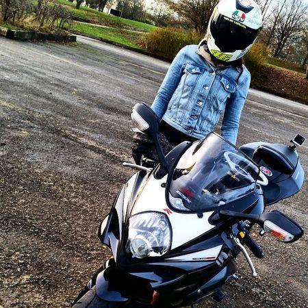 11 days left... Motocycle Bikersnetwotk Bikeswithoutlimits Instamotogallery Bikelife Gopro Instagood Moto_wikki Suzuki Gsxr GSXR1000
