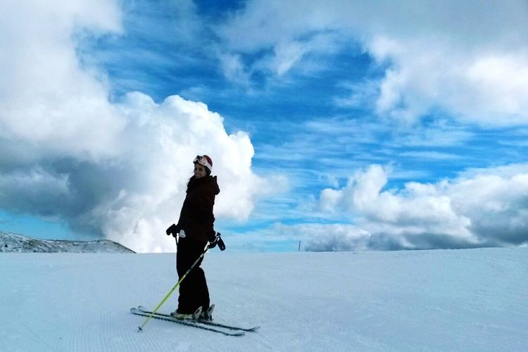 Hello World Enjoying Life Beautiful Sky Beautiful View Beautiful Nature Grateviews Mountain View Skiing ❄ Ski Cloudy Skies