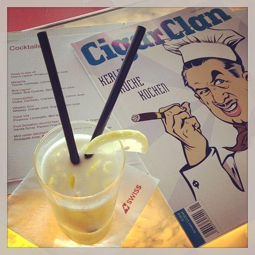 Whisky Sour an der längsten bedienten Lounge-Bar der Welt... #prost Prost