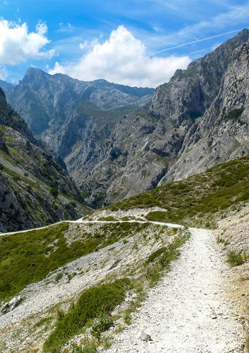 Beauty In Nature Countryside Landscape Mountain Outdoors Physical Geography Picos De Europa Rock Formation Rutadelcares