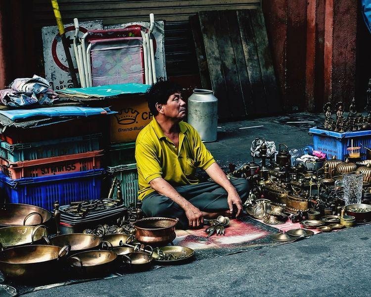 Sale man Taking Photos Streetphotography Street Photography Urban Life Life People