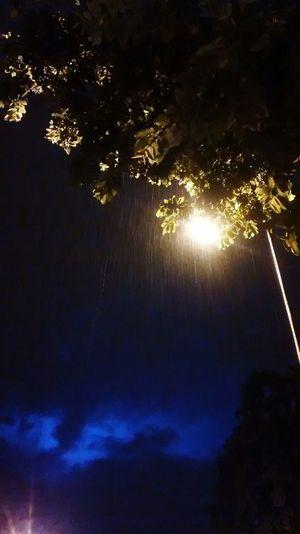 Raining in New Delhi it's Night Shot taken by Moto G Shot Motorola Photography Lightning Way To Home Under The Streetlight CannaughtPlace