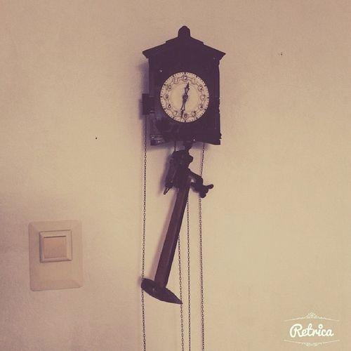 Отремонтировали старинные часы))) выручили тиски и молоток))))) часы ретро сделайсам