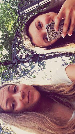 Hanging Out z kochaną Przyjaciółką Enjoying Life LOL
