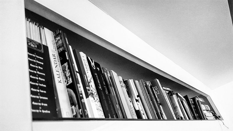 Bookshelf Booklover Book Collections Bookstore Home Is Where The Art Is Home Sweet Home Home Interior Home Decor Bibliothek Biblioteca Bibliotheque LoveRiding Beautiful Art Home Alone Relaxing Enjoying The View Love ♥ Favourite Things