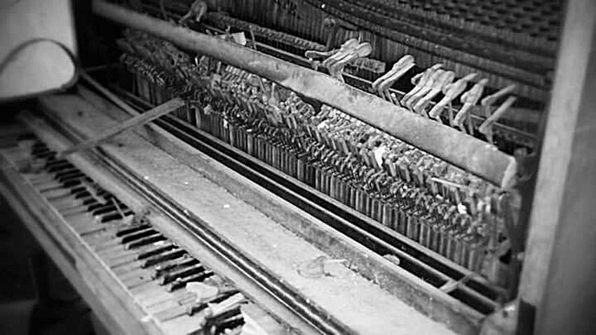 Forgotten Forgotten Places  Forgottenplaces Forgotten Things Forgotten Memories Forgotten Place Piano Piano Keys Distroyed Piano Moments EyeEmNewHere