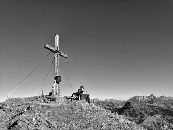 das Leben genießen 🏔👣😉 Outdoors Mountain Peak Withdog Mydog Eyemphotography View Autumn Lovemylife Hike Wanderlust Berge Sky