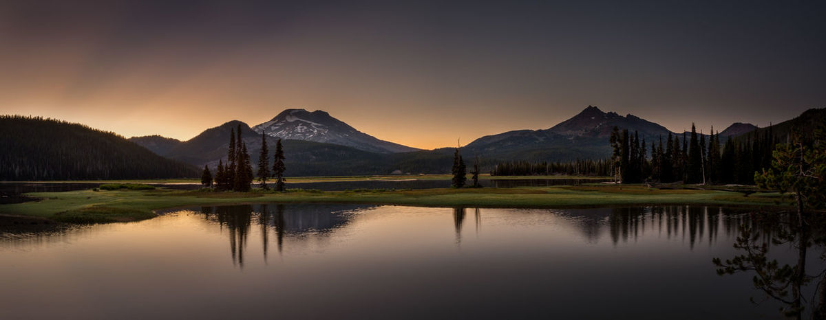 Beautiful Sparks Lake in Central Oregon sunrise tranquility serenity Bend Oregon Landscape_Collection Oregon Beauty In Nature Dusk Idyllic Lake Landscape Landscape_photography Mountain Mountain Range Nature No People Non-urban Scene Outdoors Outdoors Photograpghy  Reflection Scenics - Nature Sky Sparks Lake Standing Water Sunset Tranquil Scene Tranquility Water Waterfront