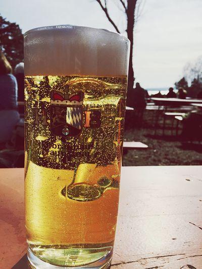 Biergarten Saison eröffnet, Sunny Day
