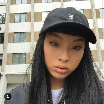 Easymoneyclo Selfie Eyeliner Model Aesthetics Fashion Urbanstyle Urban Fashion Street Fashion Fashionforwomen