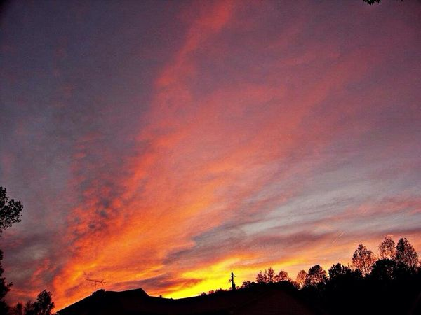 The setting sun reflecting onto the clouds creating a beautiful sight. Sunset #sun #clouds #skylovers #sky #nature #beautifulinnature #naturalbeauty #photography #landscape Sunset