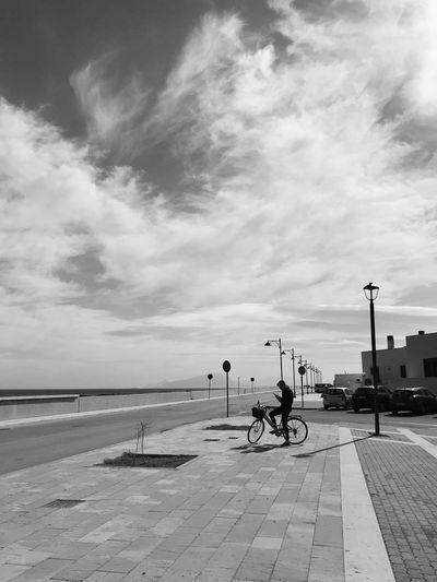 Real People People Sea Outdoors Nature Day Street Lifestyles Women Incidental People Footpath Men Horizon Over Water
