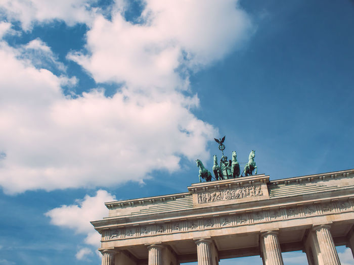Architecture City Clouded Sky Brandenburger Tor Built Structure Discover Berlin Monument Outdoors Point Of View Sky An Eye For Travel