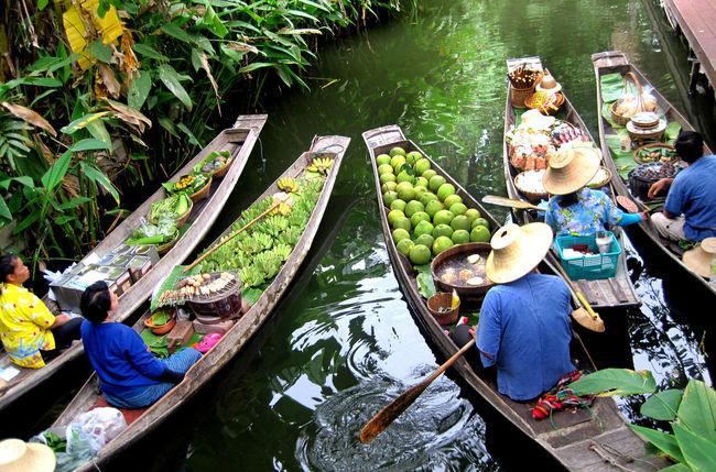 Floating Market Floatingmarket High Angle View Real People Thailand Thailand_allshots Thailandtravel Tourism Tourism Destination Tourism Destinations