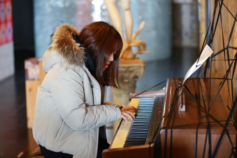 Piano Moments Piano Music One Person Real People Photo Memory EyeemKorea Happy