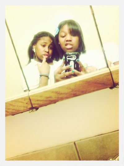 Me And My Bestfran I Look Beat Up Thoo