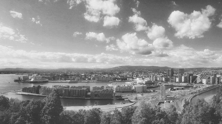 Oslo summer day 🌞🤗 Oslo Visitnorway Visitoslo Diggeroslo Cityscapes Capital Cities  Panorama IPhoneography Iphonephotography Iphone6plus Summer Summer Views