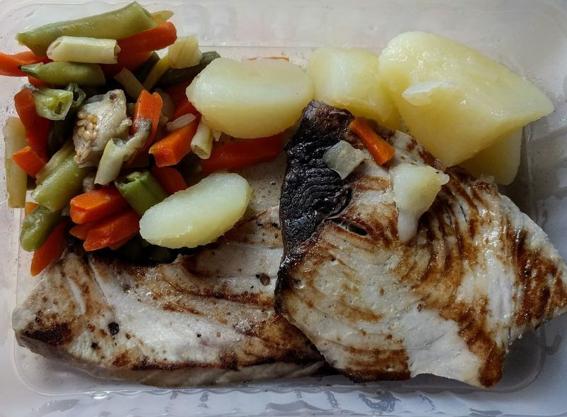 Food And Drink Healthy Eating Food Indoors  Freshness No People Vegetable Close-up Ready-to-eat Day Atun🐟 Patata Verduras Take Away
