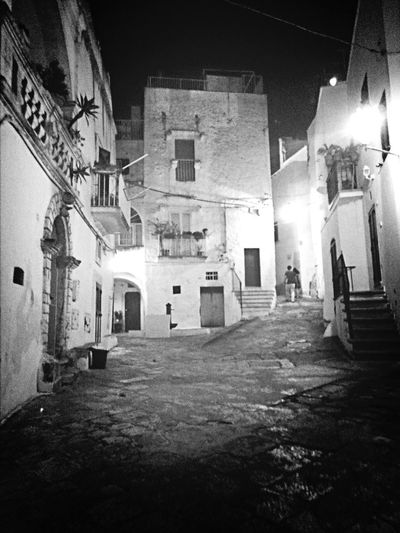 Stop the moment. Travelling Italy Black And White Bynight @ Ostuni
