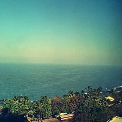Seaside Mumbai is very pleasant at this time of the year. Sony Xperia Photography. Arabiansea Mumbai_in_clicks Mumbaimag MumbaiDiaries Sony Xperia Z3 Mumbai Sea View Seascape Seaside
