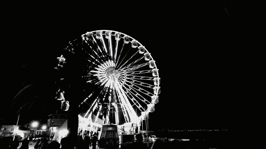 it was a great night whit the family, on the Carousell in the Baía Cascais Black And White Portugal_em_fotos New Years Resolutions 2016 Showcase: December Night Photography Illuminated Hanging Out Light And Shadow
