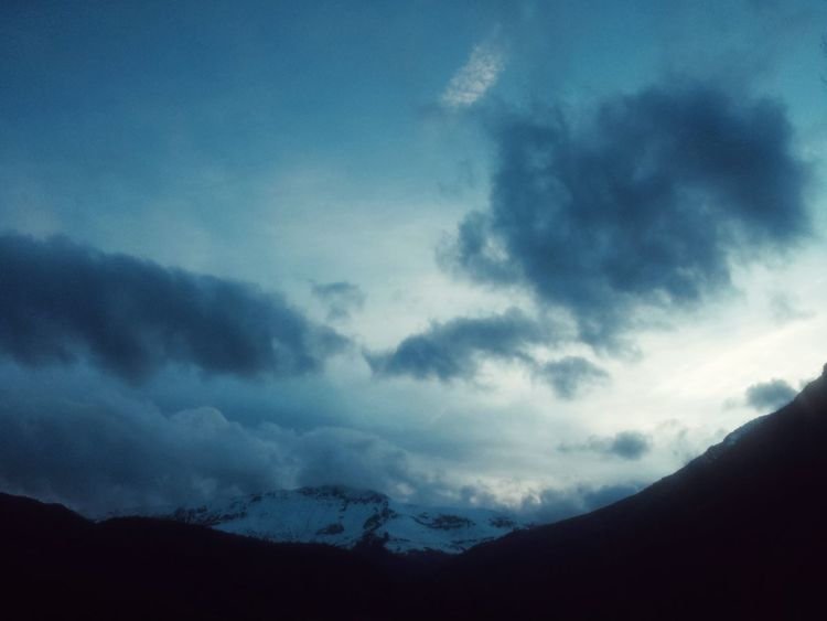 Sunset Gintonic & Window Watching