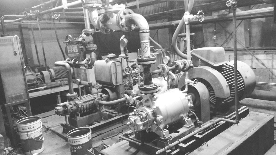 Metal Fuel And Power Generation Technology Equipment Industry Machine Part Factory Business Finance And Industry Connection Manufacturing Equipment No People Indoors  Industrial Equipment Gauge Metal Industry Pressure Gauge Day