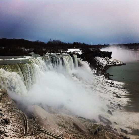 Niagara Falls with the fam fam! Niagarafalls Photography Passion Nature Godsbeauty FamilyTime
