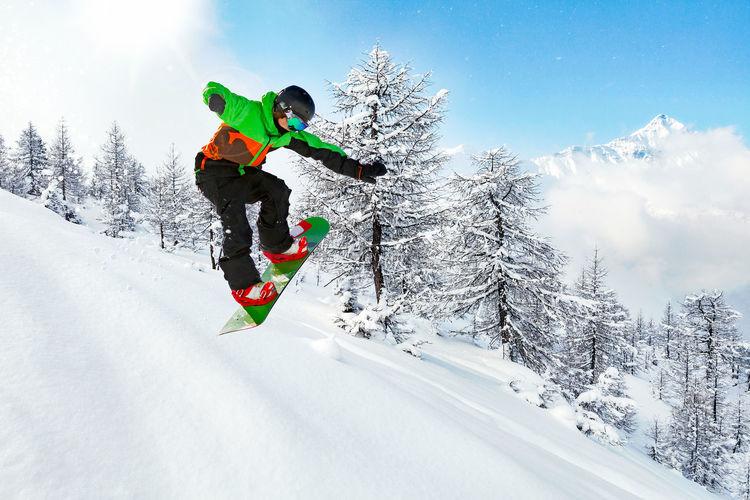 snowboarder in
