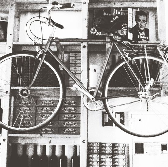 Vintage Black And White Photography Bycicle Cans Monochrome Front View On The Wall Inspiration Old-fashioned Classic The Architect - 2016 EyeEm Awards Past Times  Back To Black Showing Imperfection Street Bike Original Photo Edit By Me My Favorite Photo Past Will Last The OO Mission The Photojournalist – 2016 EyeEm Awards Up Close Street Photography Close Up Angle Original Experiences Feel The Journey
