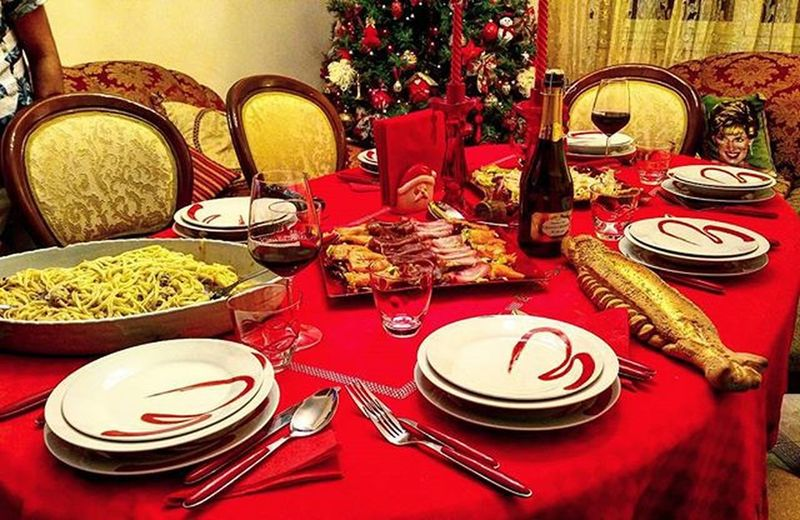Merry christmas!!Dinner Merry Christmas MerryChristmas December Table Bread Fish Happy Christmasdinner Pasta Crab Perfect Awesome Salmon Wine