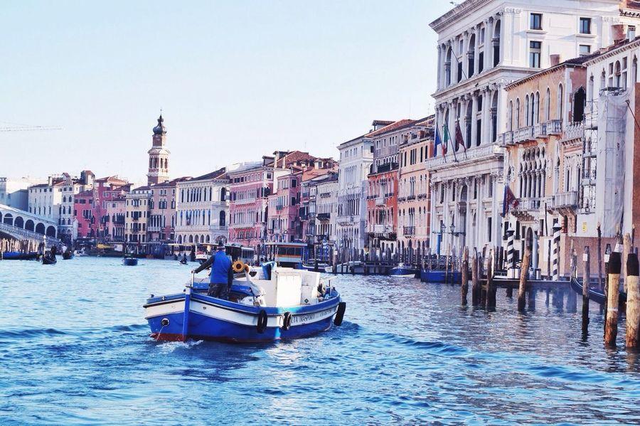 Cityscapes The Traveler - 2015 EyeEm Awards Morning starts - Venice, Italy