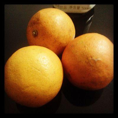 放了好几天的小橙子