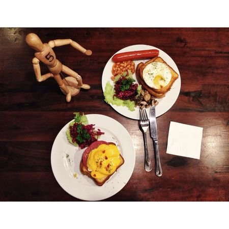Good lunch to boost your daily mood..!! Lunch EGGBENEDICT American Breakfast