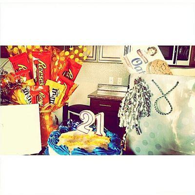 Birthdaypresent GayLove Reeses Oatmealcookies poohbutt