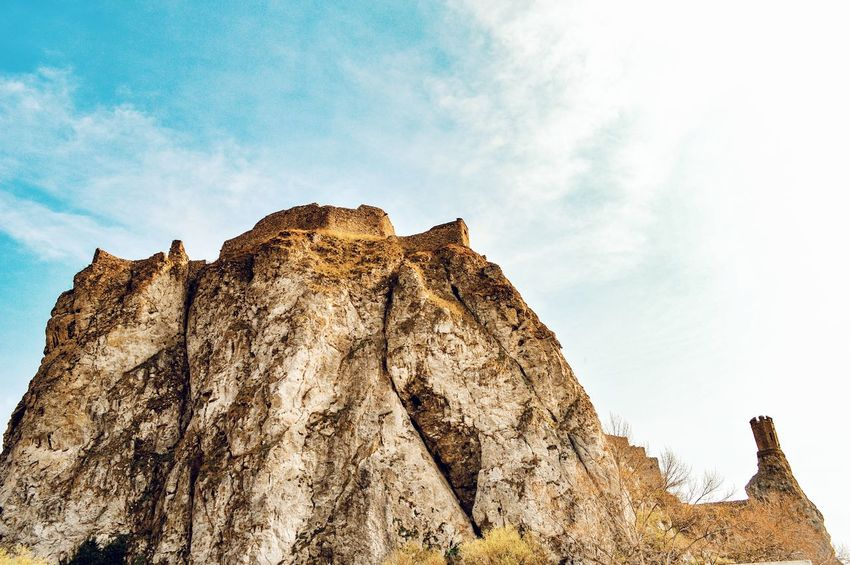 Rock Castle Ruin Castle View  Historical Place History Through The Lens  Landscapes Nature Beauty In Nature Sky Cloud - Sky Outdoors Travel Destinations Exploring Walking Around The Great Outdoors - 2017 EyeEm Awards Neighborhood Map