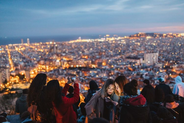 Everybody was selfie making 📱 Traveling Together Girls Young Women Viewpoint View From The Top Tourist Tourist Attraction  Urbanphotography Cityscape Urban Skyline Illumination Catalunya Barcelona Bunkers Del Carmel Self Portrait Selfie ✌ Crowded Night City Cityscape Women Sky Illuminated Togetherness Real People Crowd Outdoors Photographing Friendship Wireless Technology