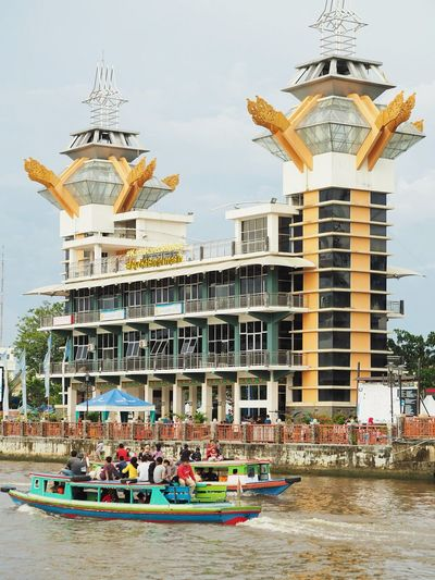 Menara Pandang Nautical Vessel Water Sky Architecture Building Exterior Pavilion Houseboat Water Vehicle Tourboat Office Building Boat Longtail Boat