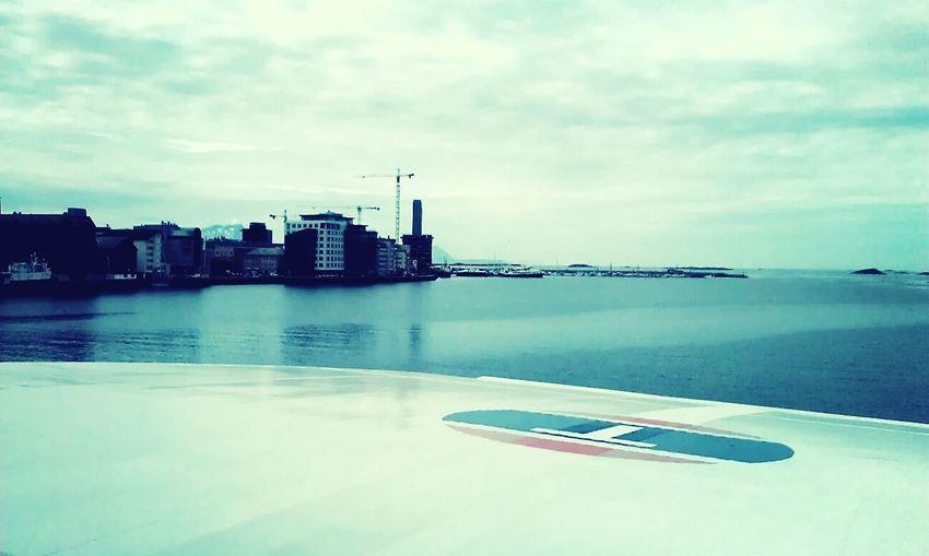 Partiendo del puerto de Bodø Norway Thegoldenhourtrip