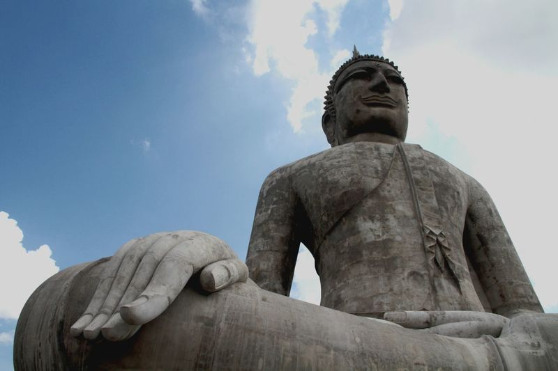 EyeEm Selects Statue Sculpture Cloud - Sky Travel Destinations Sky Religion Architecture Big Buddha Statue Outdoors Buddha Statues Buddha Timple History Landmarke